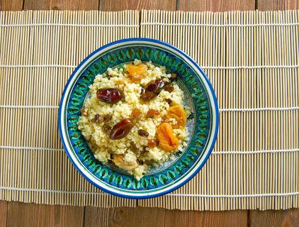 Frucht-Couscous mit Orangencreme