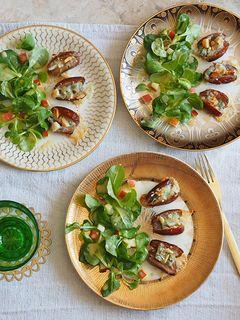 Gorgonzola-Datteln an Apfel-Feldsalat