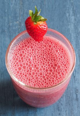 Getränketipp: Erdbeer-Cassis-Shake
