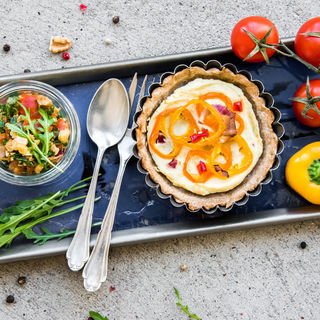 Dinkelflammkuchen mit Budwig Rucola-Salsa