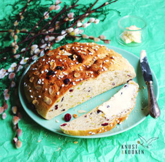 Cranberry-Osterbrot