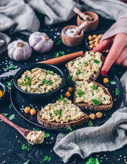 """Veganer Kichererbsen-""""Thunfisch""""-Salat"""