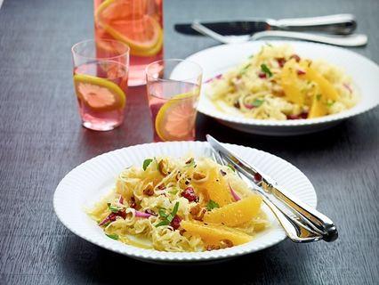 Sauerkraut-Salat mit Cranberries